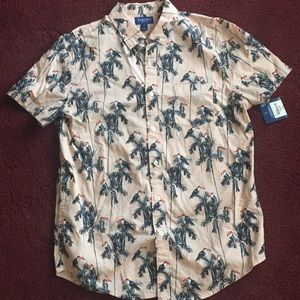 Men's medium parrot print shirt ( runs small)